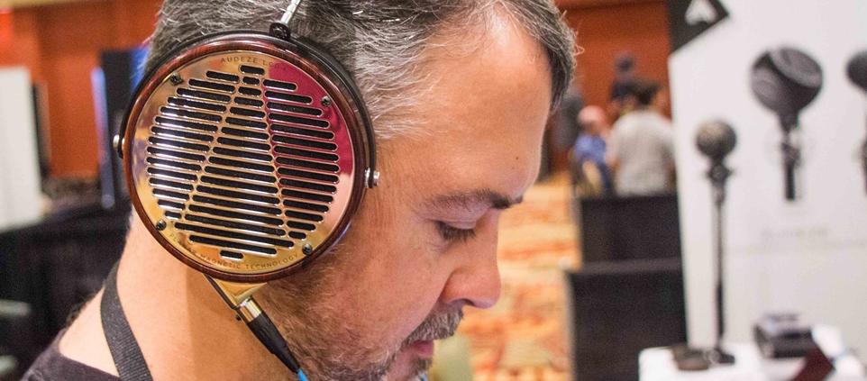 Vì sao tai nghe mới ra đời ngày càng đắt đỏ