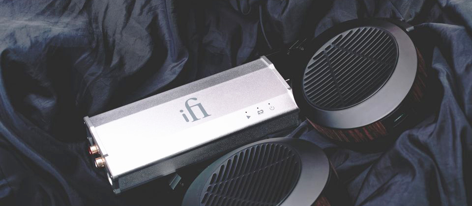 Review Headphone Amplifier iFi Micro iCan SE