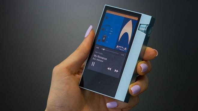 """Astell&Kern bất ngờ giới thiệu máy nghe nhạc """"giá rẻ"""" AK70"""